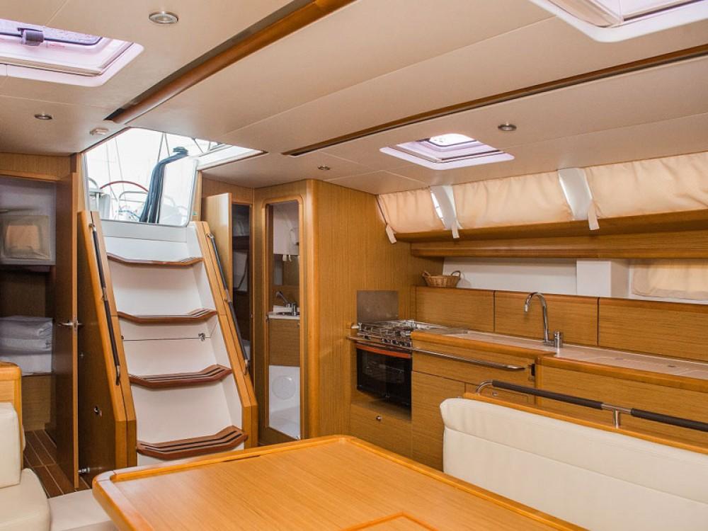 Location yacht à Sibenik - Jeanneau Sun Odyssey 49i sur SamBoat