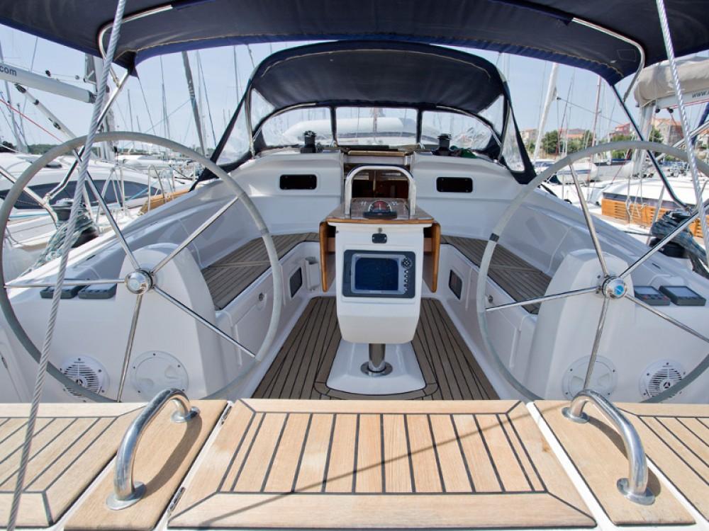 Location bateau Elan Elan 434 à Sibenik sur Samboat