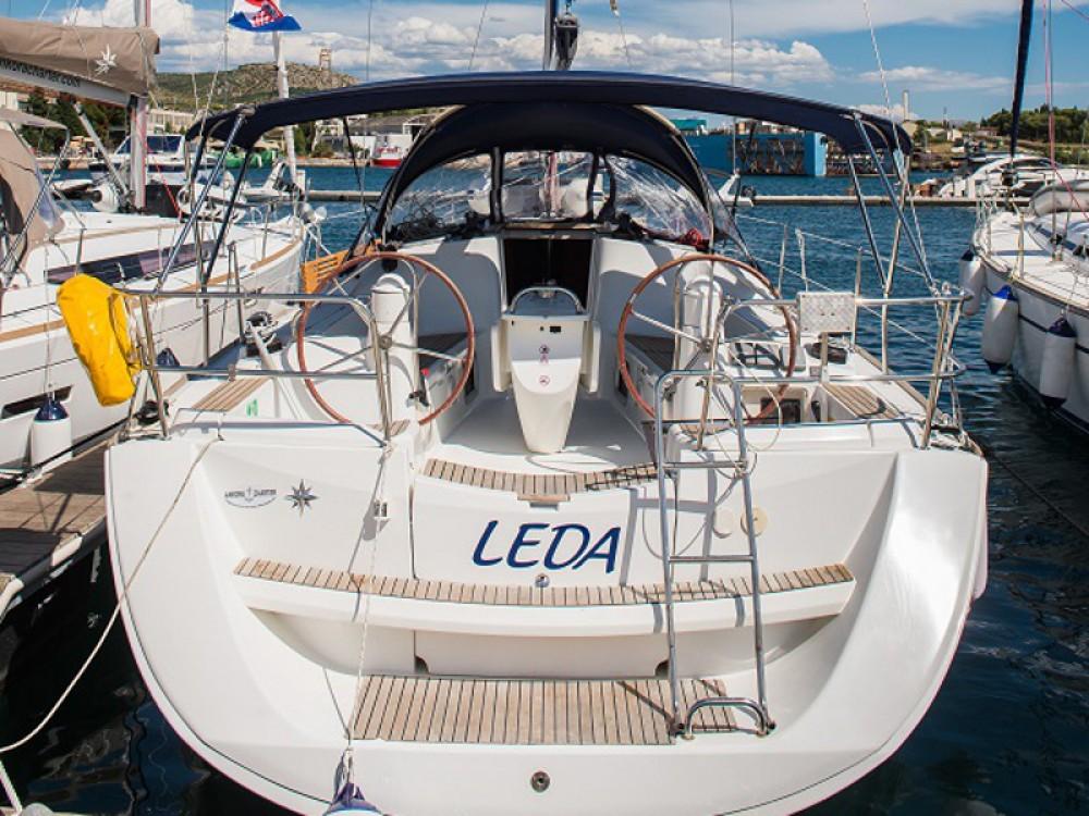 Location bateau Jeanneau Sun Odyssey 39i à Sibenik sur Samboat