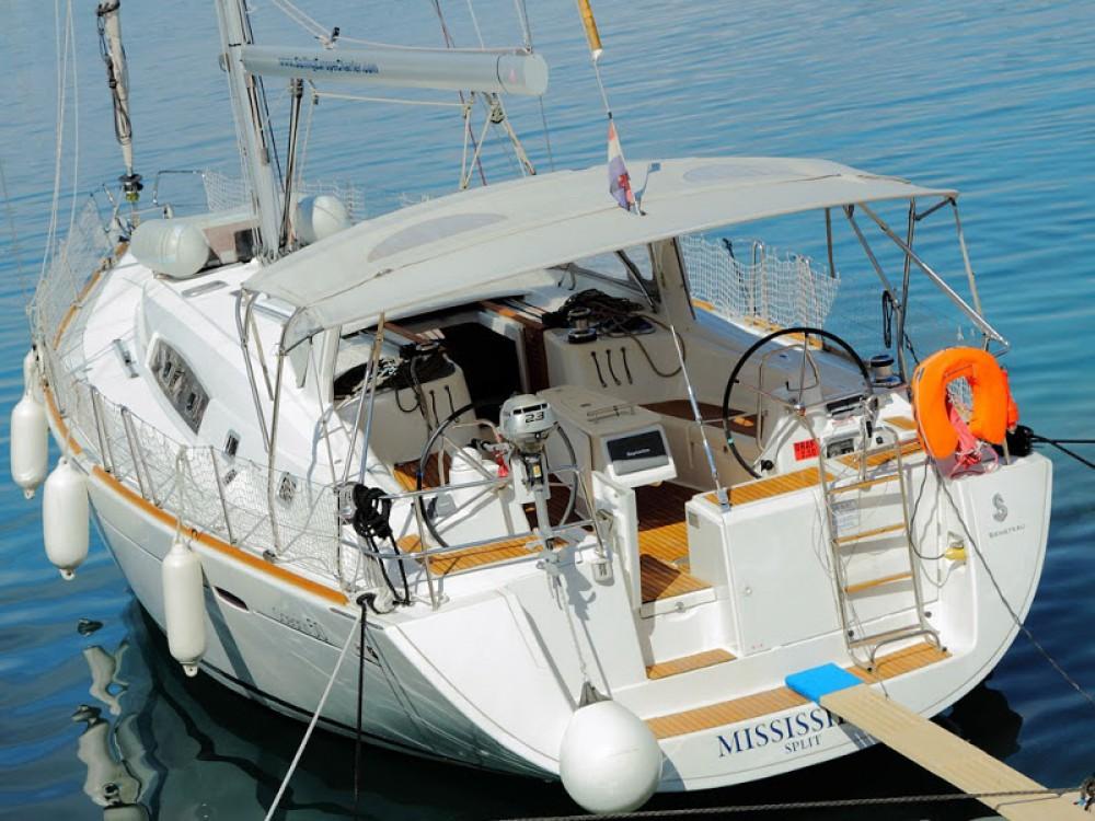 Location bateau Šolta pas cher Oceanis 50 Family