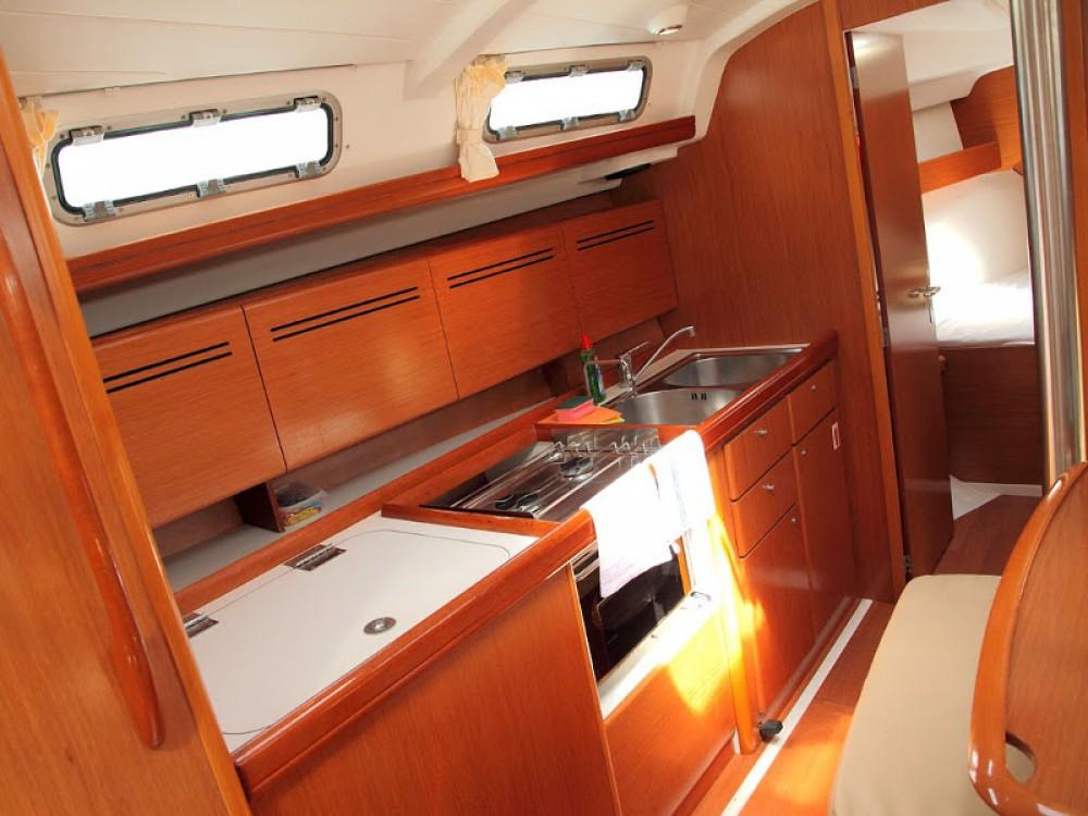 Location yacht à Šolta - Bénéteau Cyclades 39.3 sur SamBoat