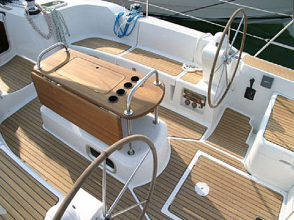 Location bateau Nettuno pas cher Sun Odyssey 45