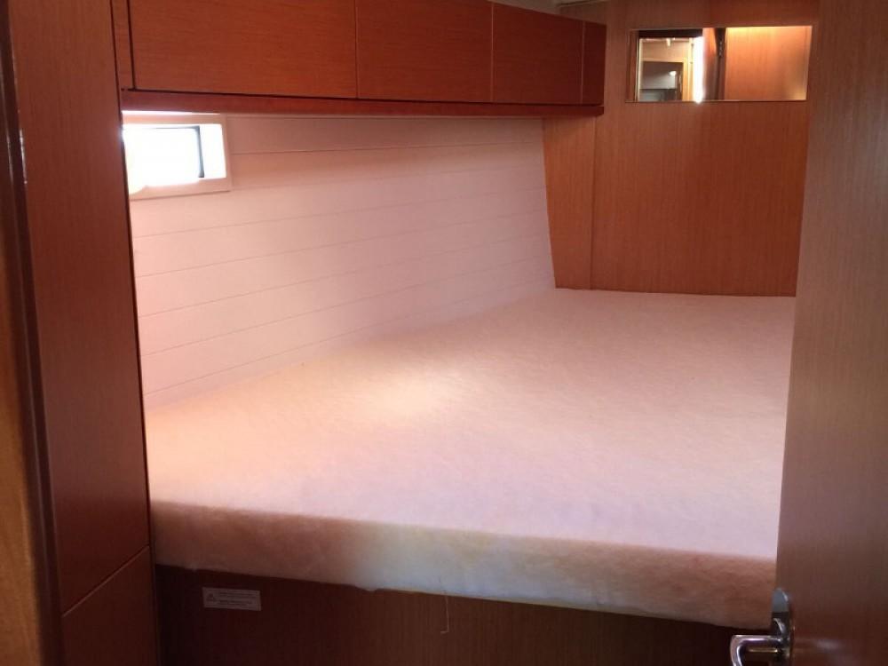 Louez un Bavaria Cruiser 46 à Furnari