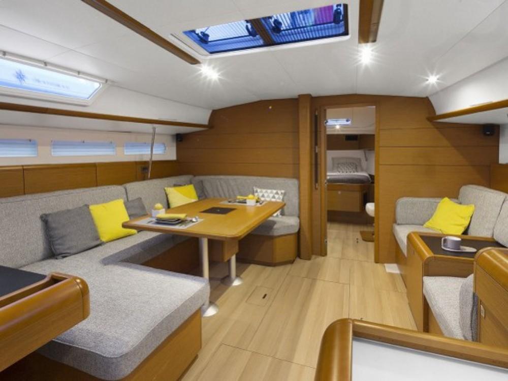 Location bateau Furnari pas cher Sun Odyssey 519