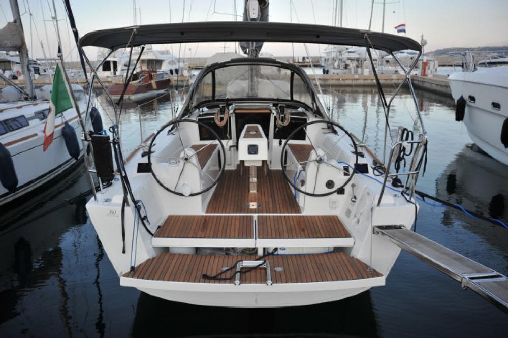 Location bateau Marina di Portisco pas cher Dufour 350 Grand Large