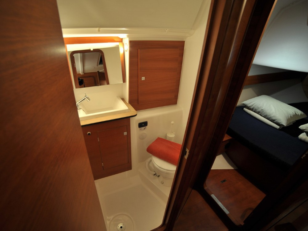Location yacht à Marina di Portisco - Dufour Dufour 382 Grand Large sur SamBoat