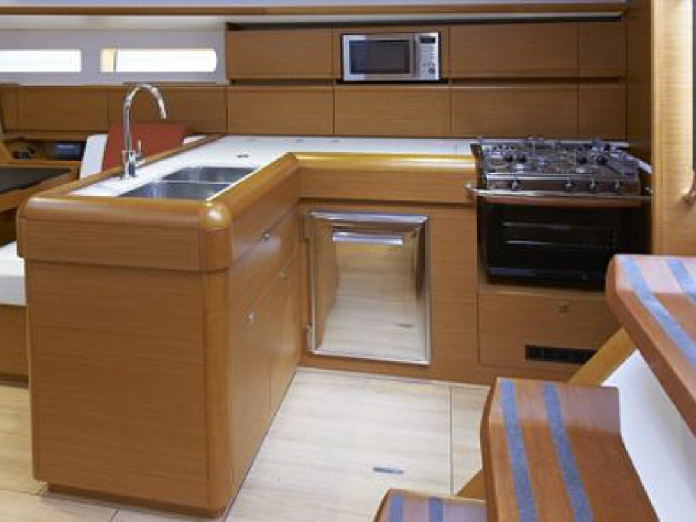 Location bateau Jeanneau Sun Odyssey 469 à Marina de Alimos sur Samboat