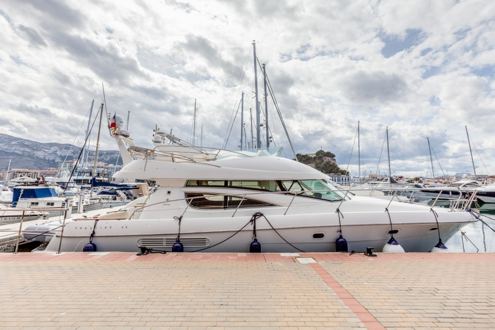 Motor boat for rent Dénia at the best price