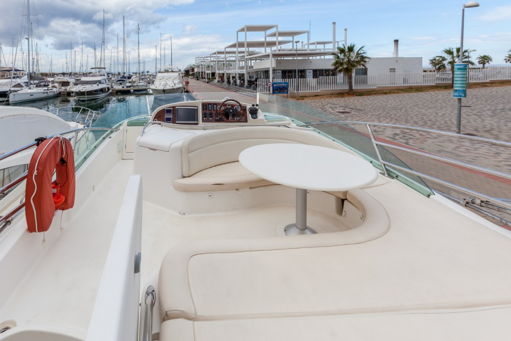 Jeanneau Prestige 46 between personal and professional Dénia