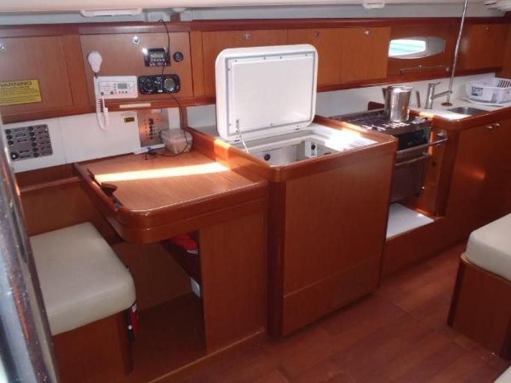 Location bateau Bénéteau Oceanis 40 à Nettuno sur Samboat