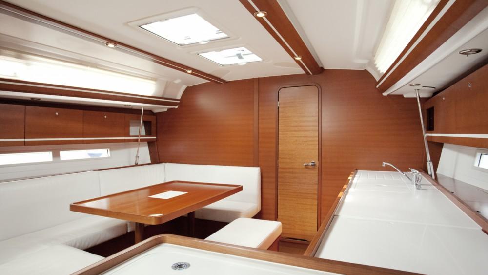 Location bateau Dufour Dufour 445 Grand Large à Nettuno sur Samboat