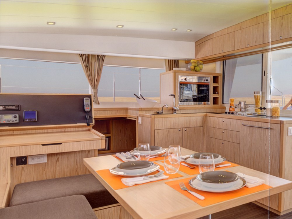 Louer Catamaran avec ou sans skipper Lagoon à Nettuno