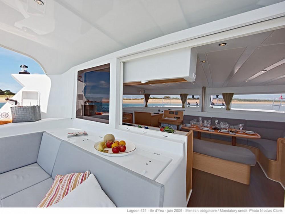 Location bateau Sant Antoni de Portmany pas cher Lagoon 421