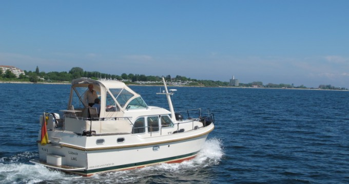 Rental Motor boat Linssen with a permit
