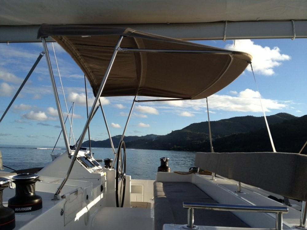 Location bateau Victoria pas cher Lagoon 450