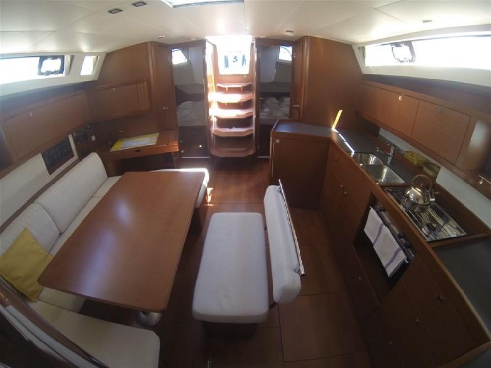 Location bateau Bénéteau Oceanis 45 à Marina Medulin sur Samboat