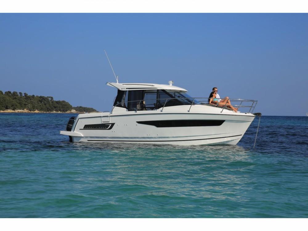 Boat rental Jeanneau Jeanneau Merry Fisher 895 in Pula on Samboat