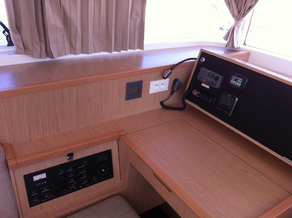 Location Catamaran à Marina Medulin - Lagoon Lagoon 400 S2