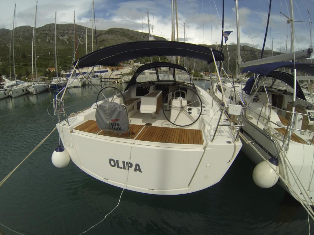 Dufour Dufour 460 Grand Large entre particuliers et professionnel à ACI Marina Dubrovnik