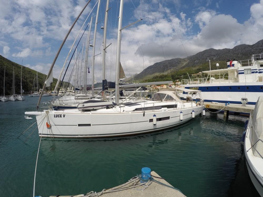 Dufour Dufour 512 Grand Large entre particuliers et professionnel à ACI Marina Dubrovnik