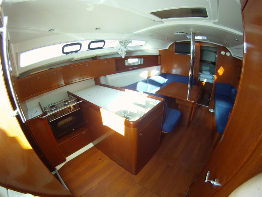 Location bateau Bénéteau Oceanis 37 à Marina Medulin sur Samboat