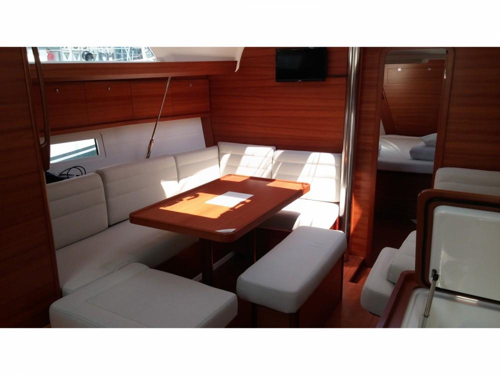 Location bateau Dufour Dufour 410 Grand Large à Marina Kaštela sur Samboat