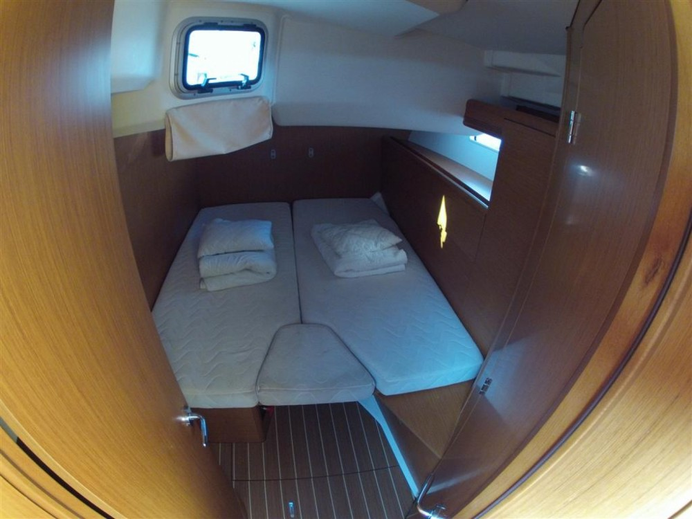 Location bateau ACI Marina Dubrovnik pas cher Jeanneau 53