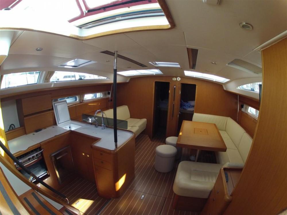 Location bateau Jeanneau Jeanneau 53 à ACI Marina Dubrovnik sur Samboat