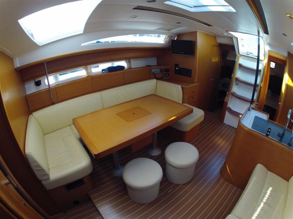Louez un Jeanneau Jeanneau 53 à ACI Marina Dubrovnik