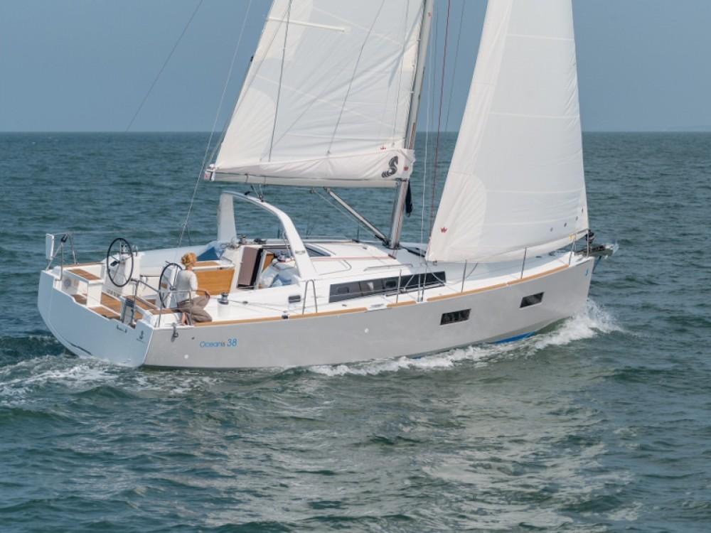 Rental Sailboat in Marina Kaštela - Bénéteau Oceanis 38.1