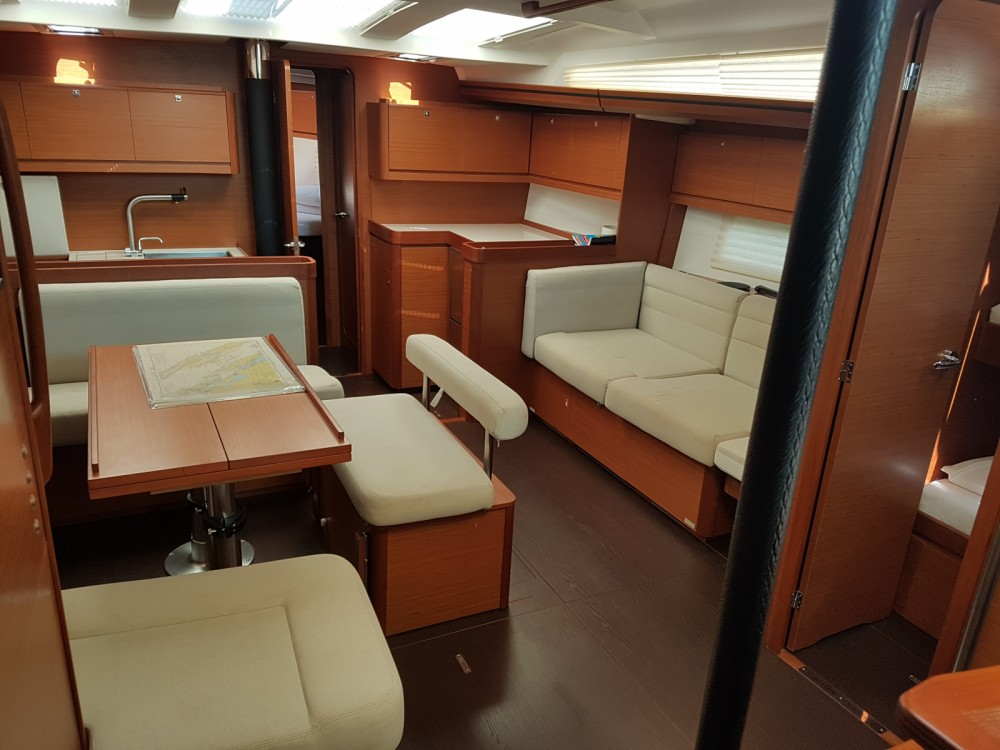 Location bateau Pula pas cher Dufour 512 Grand Large