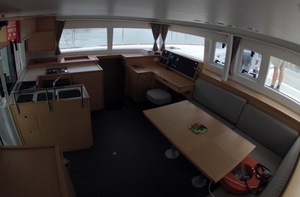 Location bateau Marina Kaštela pas cher Lagoon 450