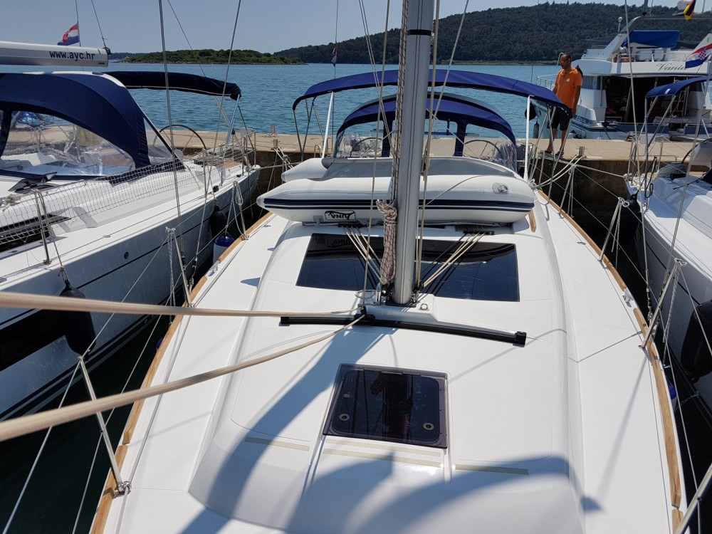 Dufour Dufour 382 Grand Large entre particuliers et professionnel à Marina Medulin