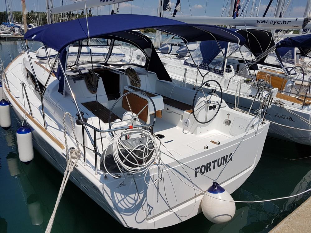 Louez un Dufour Dufour 382 Grand Large à Marina Medulin