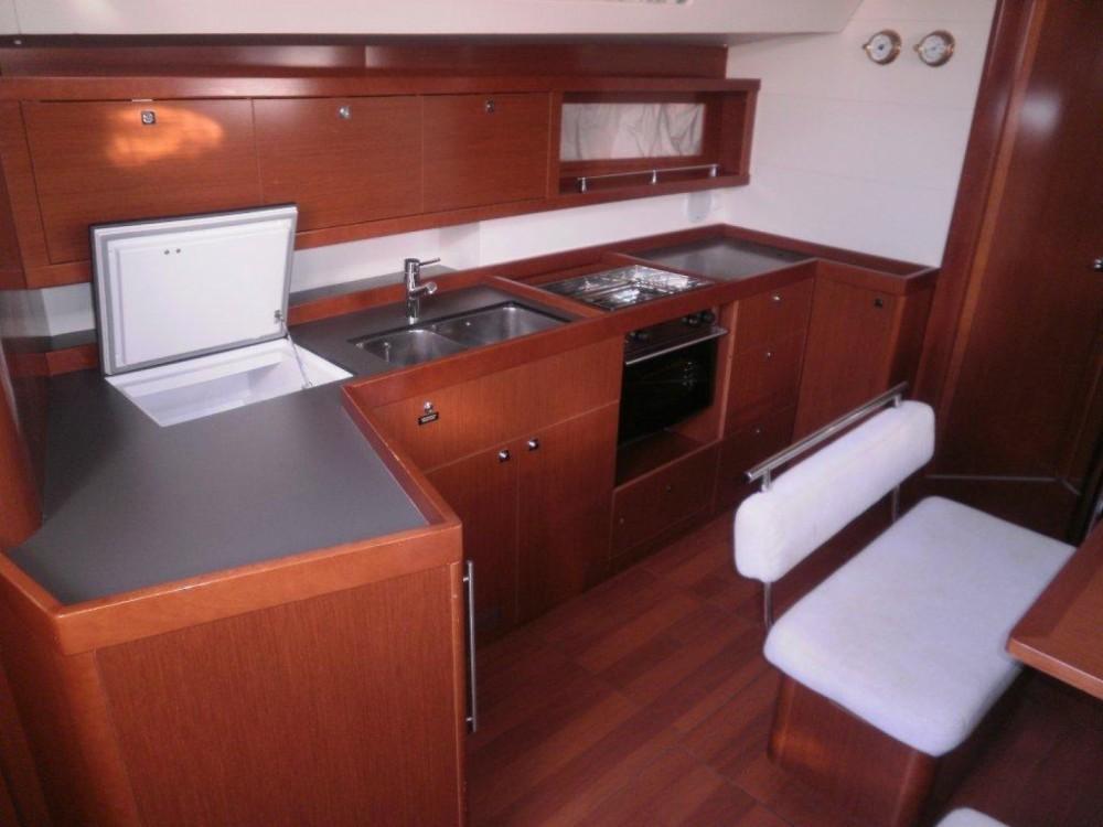 Louez un Bénéteau Oceanis 45 à ACI Marina Dubrovnik