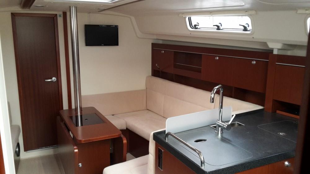 Location yacht à Marina Kaštela - Hanse Hanse 385 sur SamBoat
