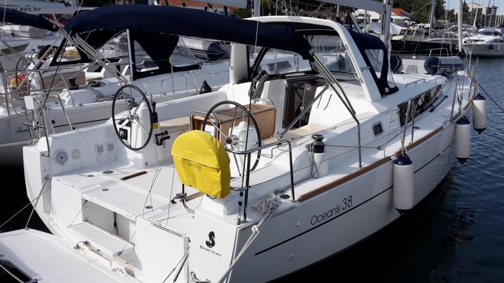 Location yacht à Marina Medulin - Bénéteau Oceanis 38 sur SamBoat