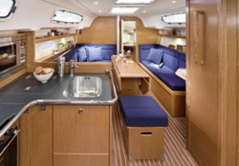 Location yacht à Morningside marina - Bavaria Cruiser 34 sur SamBoat