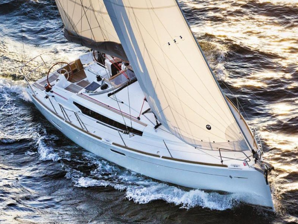 Location bateau Jeanneau Sun Odyssey 389 à Morningside marina sur Samboat