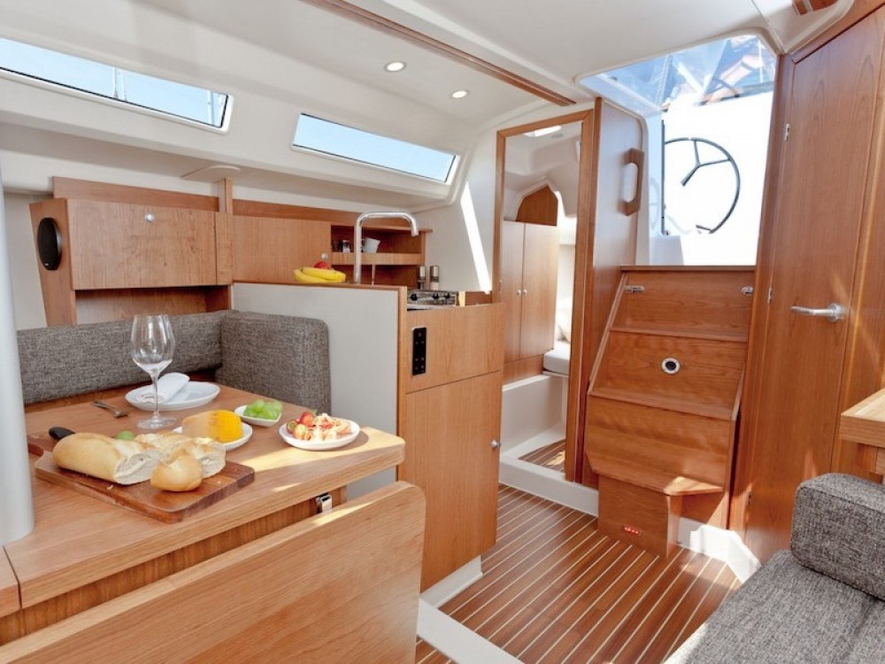 Sailboat for rent Morningside marina at the best price