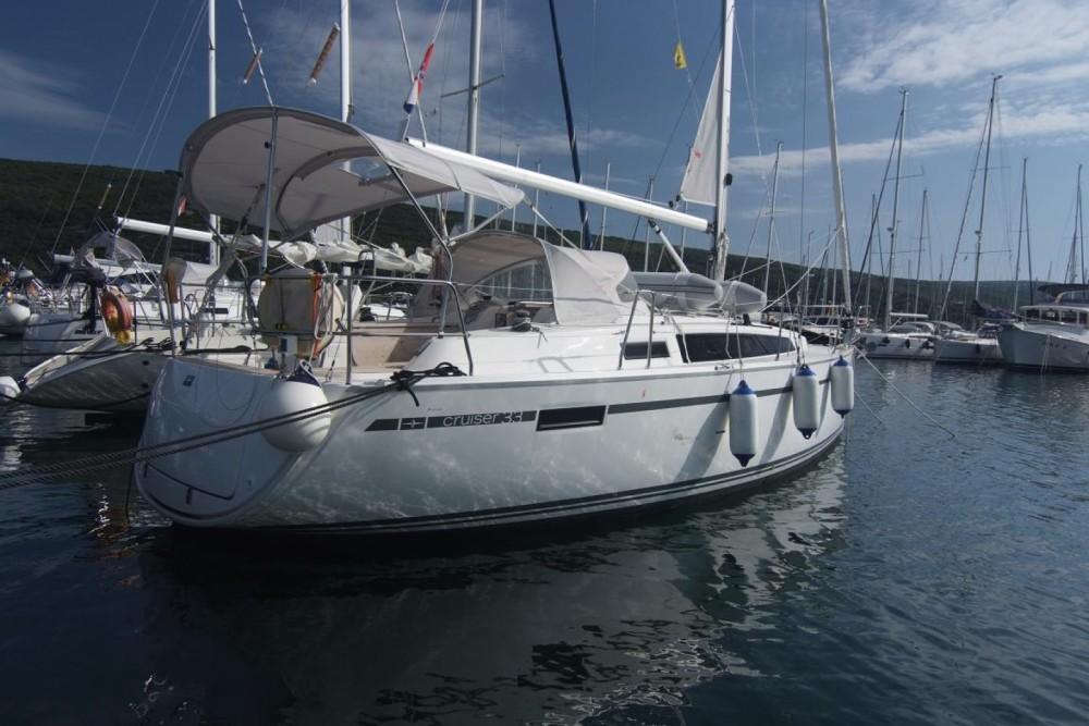 Louez un Bavaria Cruiser 33 à Krk