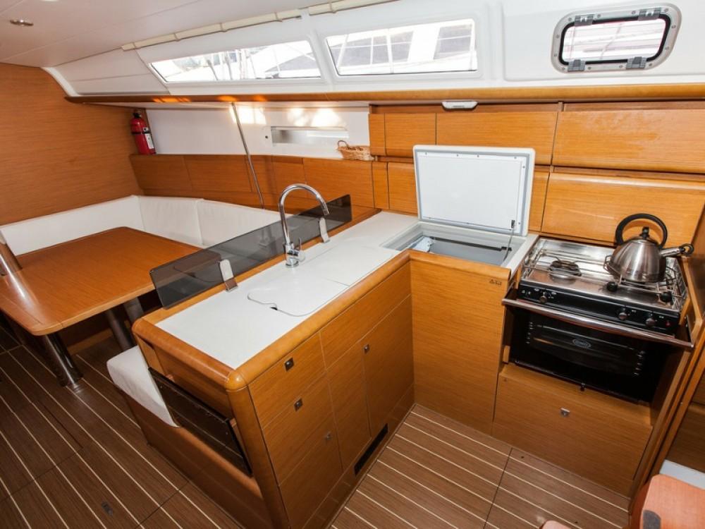 Location bateau Jeanneau Sun Odyssey 379 à Palma de Majorque sur Samboat