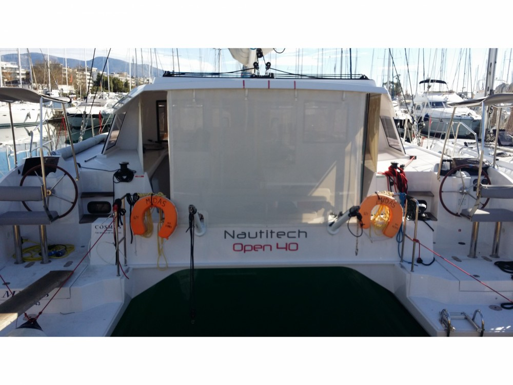 Location bateau Marina de Alimos pas cher Nautitech Open 40