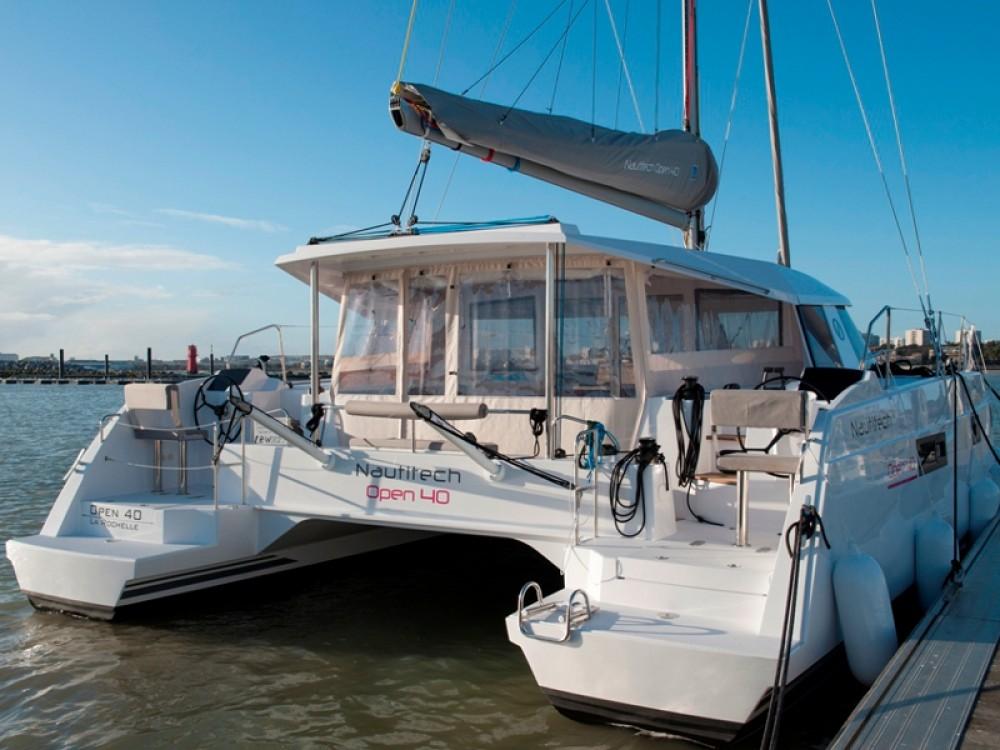 Location bateau Rhodes pas cher Nautitech Open 40