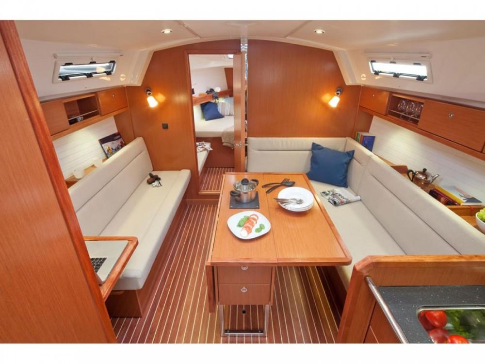 Location bateau Marina Gouvia pas cher Cruiser 36