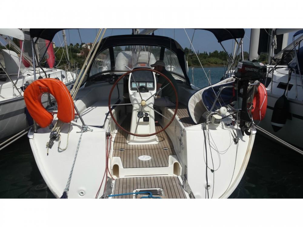 Location bateau Laurion pas cher Cruiser 38