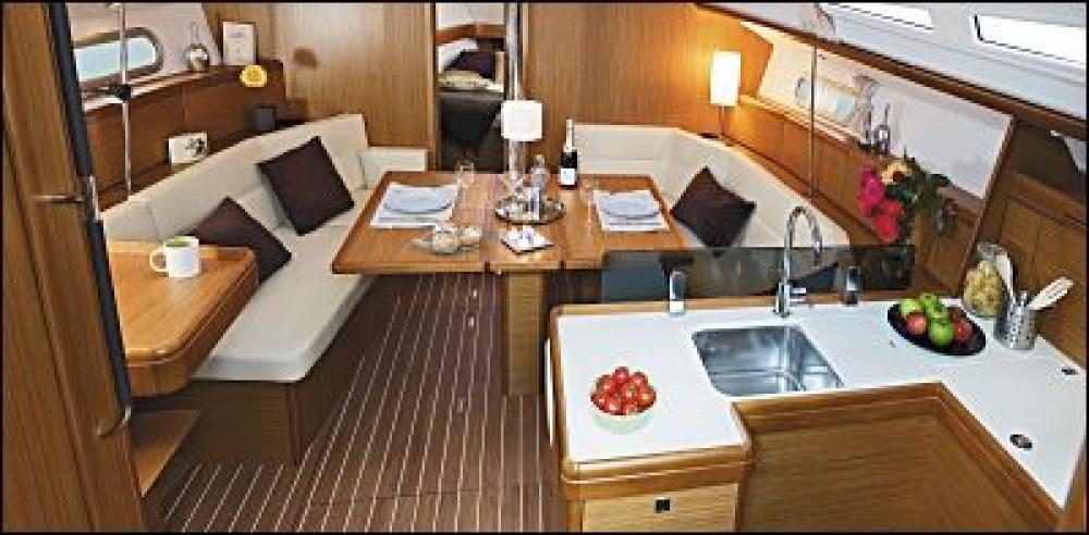 Location bateau Follonica pas cher Sun Odyssey 42i