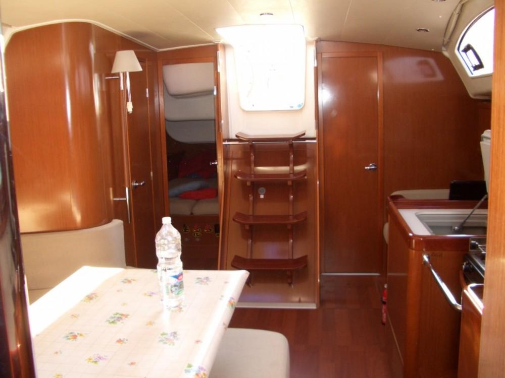 Location bateau Castiglione della Pescaia pas cher Oceanis 40