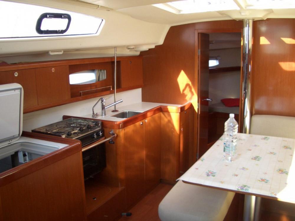 Louez un Bénéteau Oceanis 40 à Castiglione della Pescaia