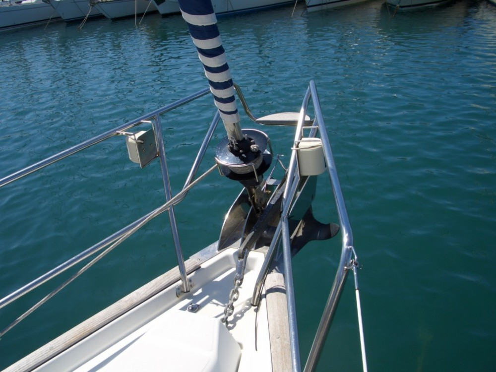 Location bateau Bénéteau Oceanis 423 à Castiglione della Pescaia sur Samboat